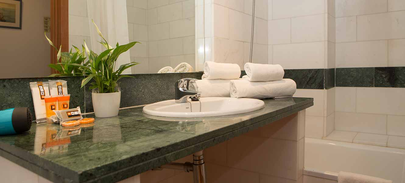 bathroom mix alea hotel 3*